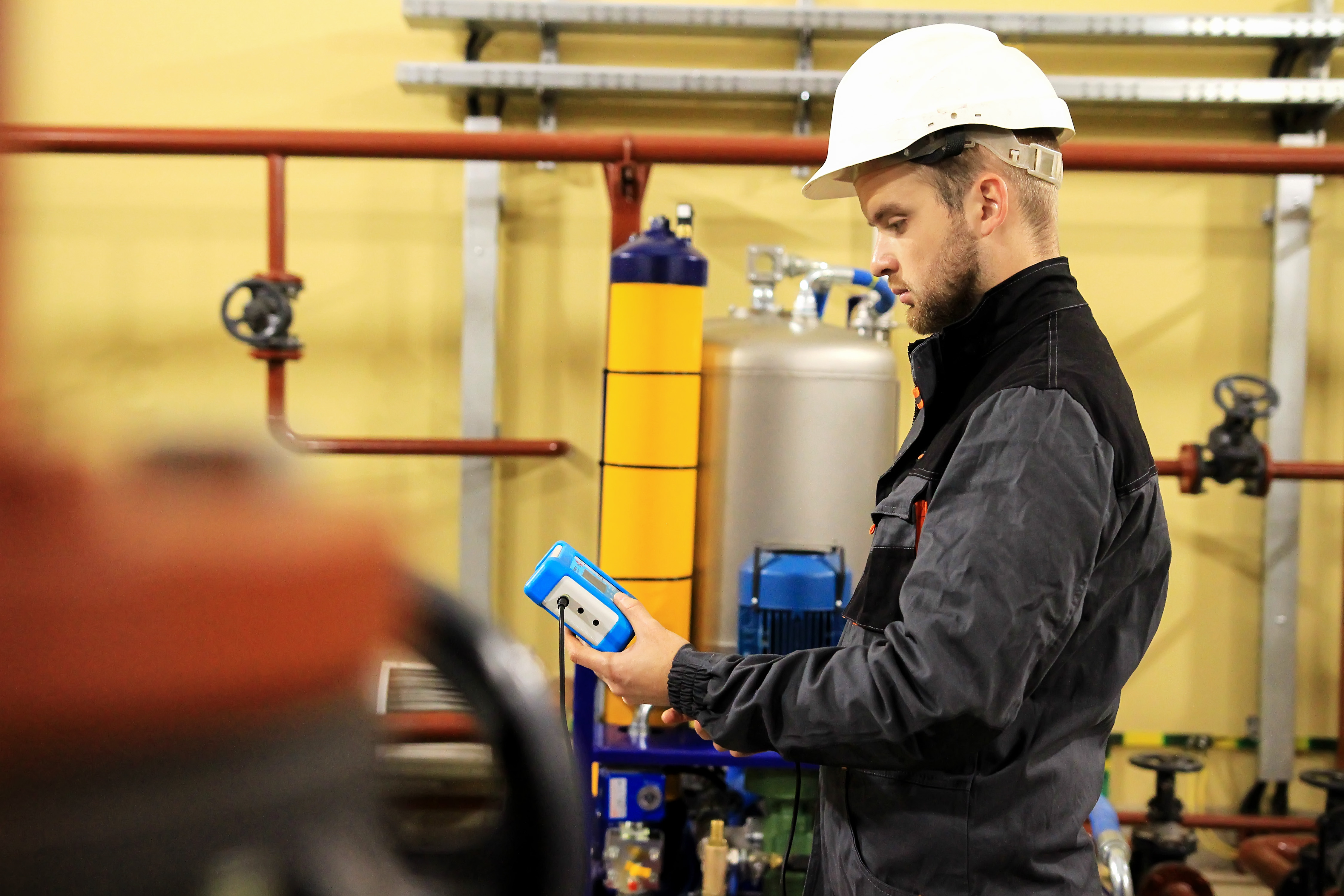 発電エンジン/タービンのインライン潤滑油劣化測定